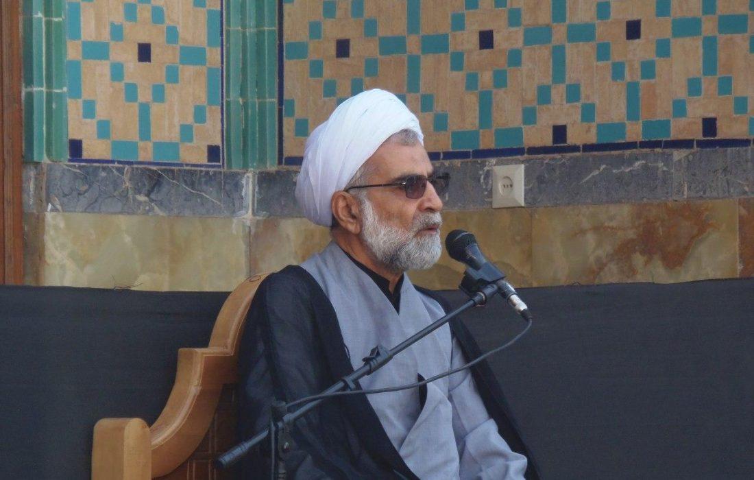 دکتر زارع مانند برادران شهیدش، سهم خود در ایثار و خدمت صادقانه به مردم و کشور را ادا کرد