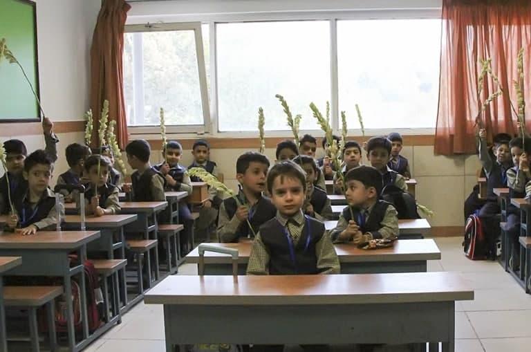 روابط عمومی آموزش و پرورش کاشان یادآور شد؛ سال تحصیلی جدید، ثبت نام ها و آنچه اولیاء باید بدانند