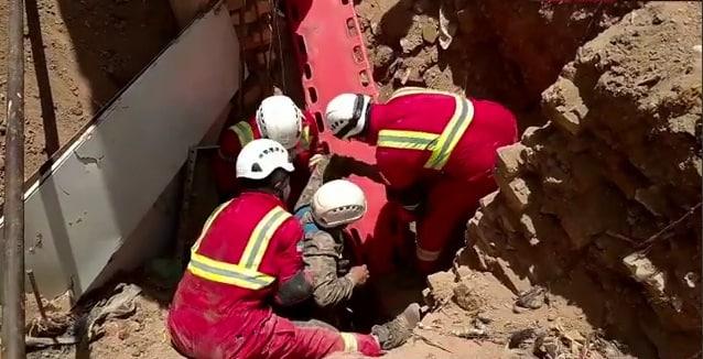 پایان حادثه ناگوار، نجات از زیر آوار